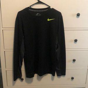 Nw/oT Nike Dri Fit long sleeve